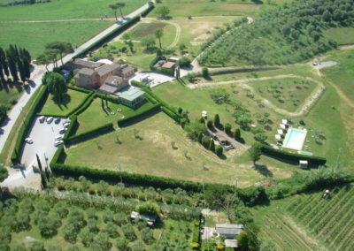 Ampio parco della Beauty farm con piscina immersa nel verde