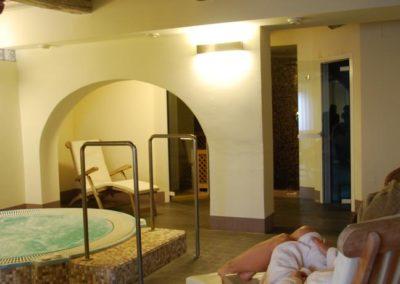 mini piscina idromassaggio interna nel Resort sul Trasimeno